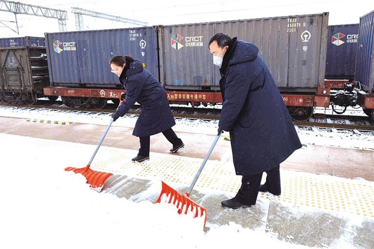 甘肃省迎春节后第一轮降雪 省内高速公路多处实行交通管制